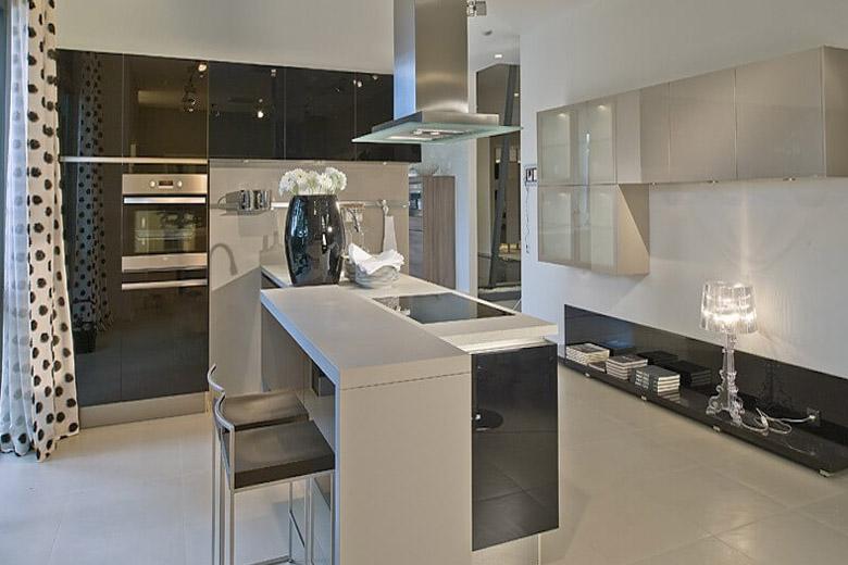 Những mẫu thiết kế nội thất bếp sang trọng & tinh tế Thiet-ke-noi-that-bep-sang-trong-cho-can-ho-1