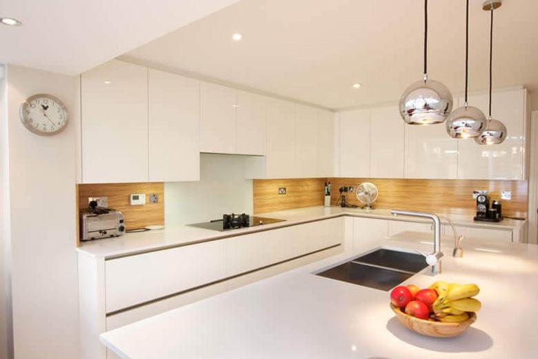 Những mẫu thiết kế nội thất bếp sang trọng & tinh tế Thiet-ke-noi-that-bep-sang-trong-cho-can-ho-2